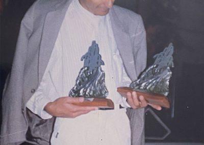 Com os trofeus recebidos no Festival de Vídeo de Gravatal-SC